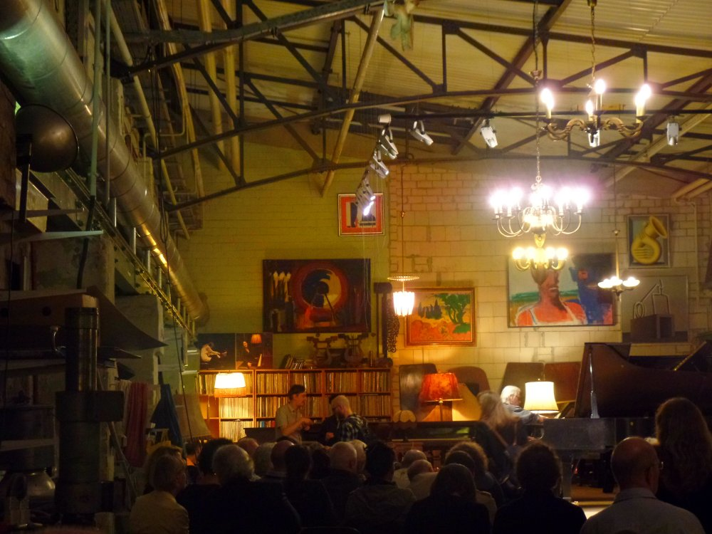 A crowded night at Piano Salon Christophori
