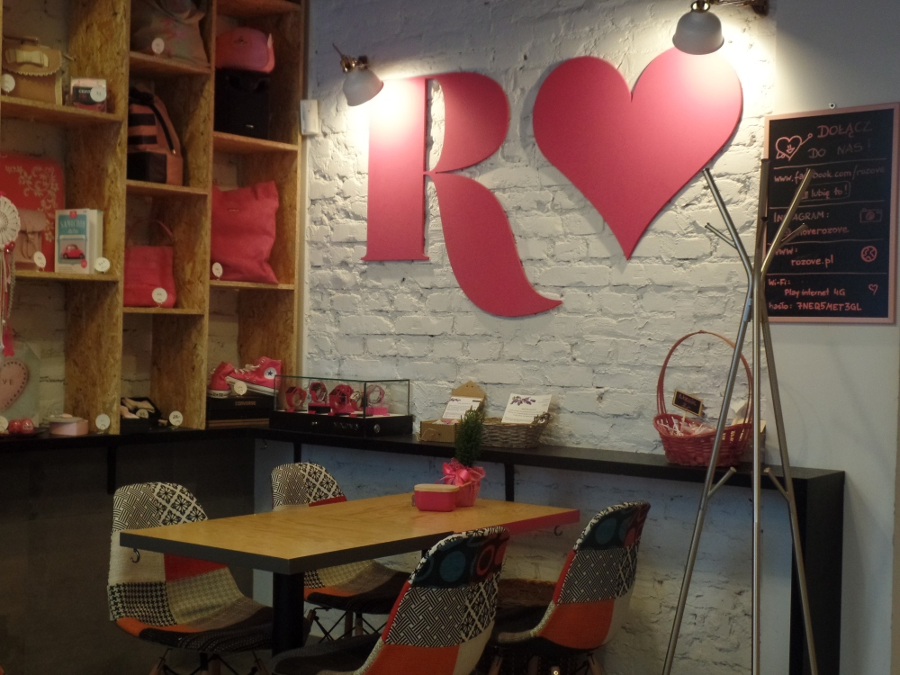Rozove - pink cafe